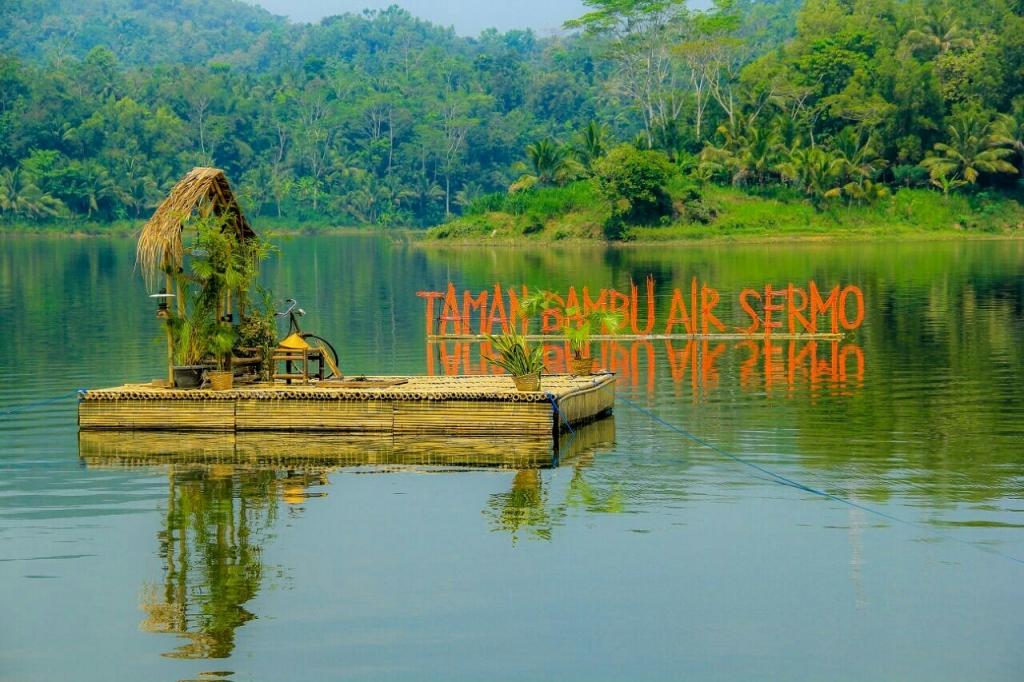 taman bambu air waduk sermo